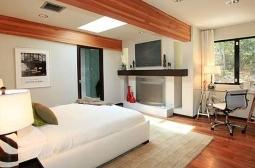 Os quartos, com mobília da Christina, também eram equipados com lareira