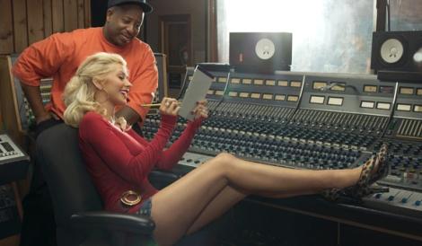 Christina no estúdio com DJ Premier