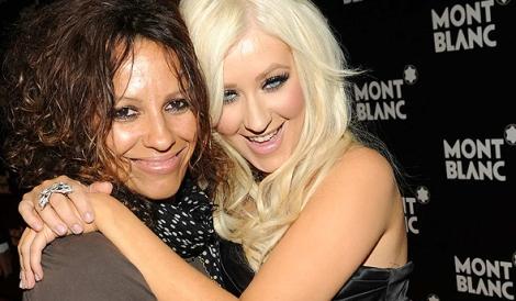Christina com Linda Perry em 2010