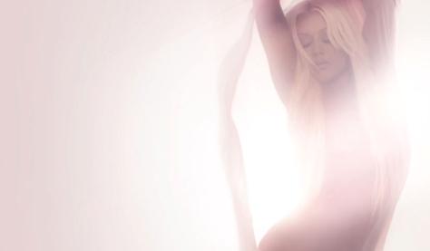 Christina na sessão promocional de Lotus