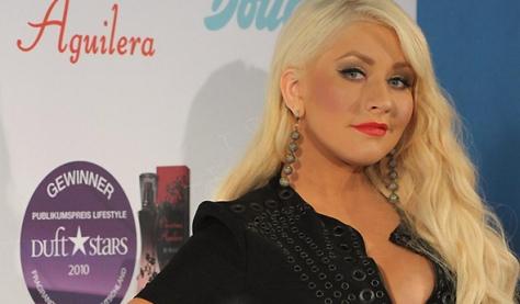 Christina em festa de lançamento do Secret Potion em 2011