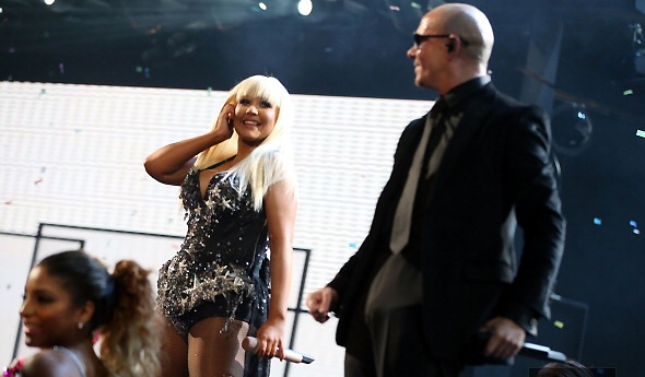 Christina e Pitbull no American Music Awards em 2012
