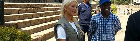 Christina em visita beneficente na África