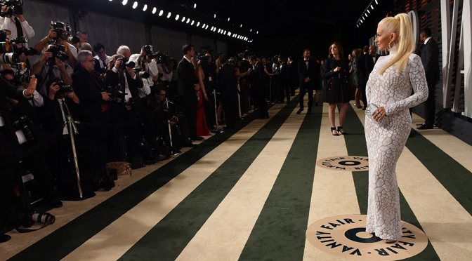 Vídeo – Christina posando no tapete da Vanity Fair