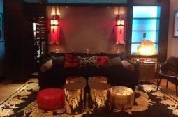 Essa é a única foto de um cômodo pós-Christina: o estúdio de gravações que ela montou na casa