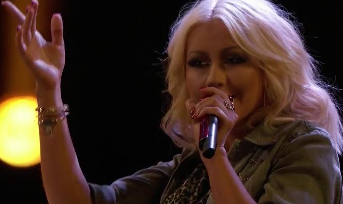 """Vídeo – Assista Christina cantando """"Hotel California"""" no The Voice de hoje"""