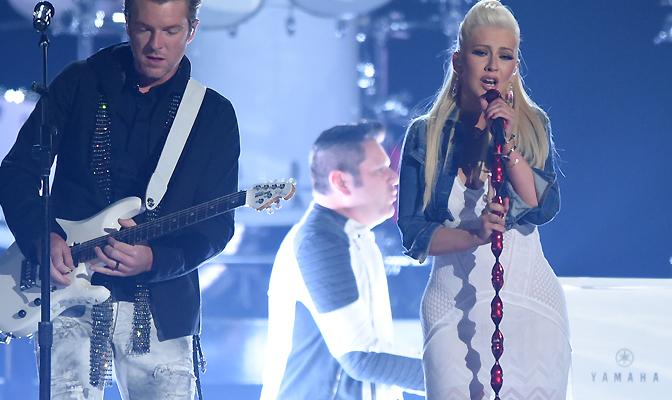Fotos, vídeo e repercussão da performance de Christina e Rascal Flatts no ACM Awards