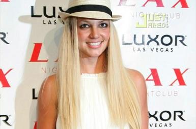 A festa de inauguração da casa que tem Christina como uma das principais acionistas ficou por conta de Britney Spears, em 2007