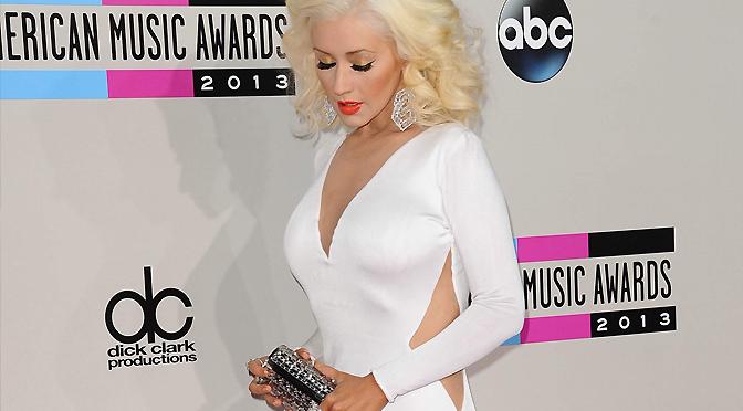 Site faz promoção para fãs de Christina no Twitter e prêmio é um vestido igual ao dela!